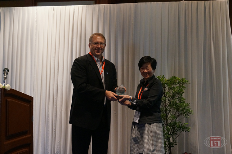 Asia AMCA Annual Regional Meeting 2016: Presenting a Token to Mark Stevens